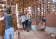 arquitetura-sustentavel-construcao-ecologica-materiais-naturais-arca-terra-canteiro-aberto-25